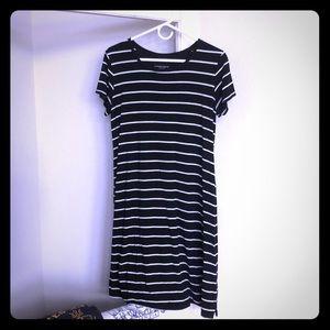 Liz Lange Dresses - Striped Dress
